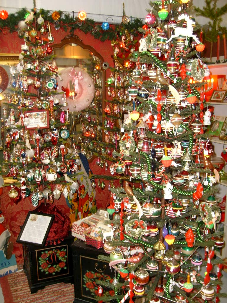 Cheap Christmas Decorations Includes The Following