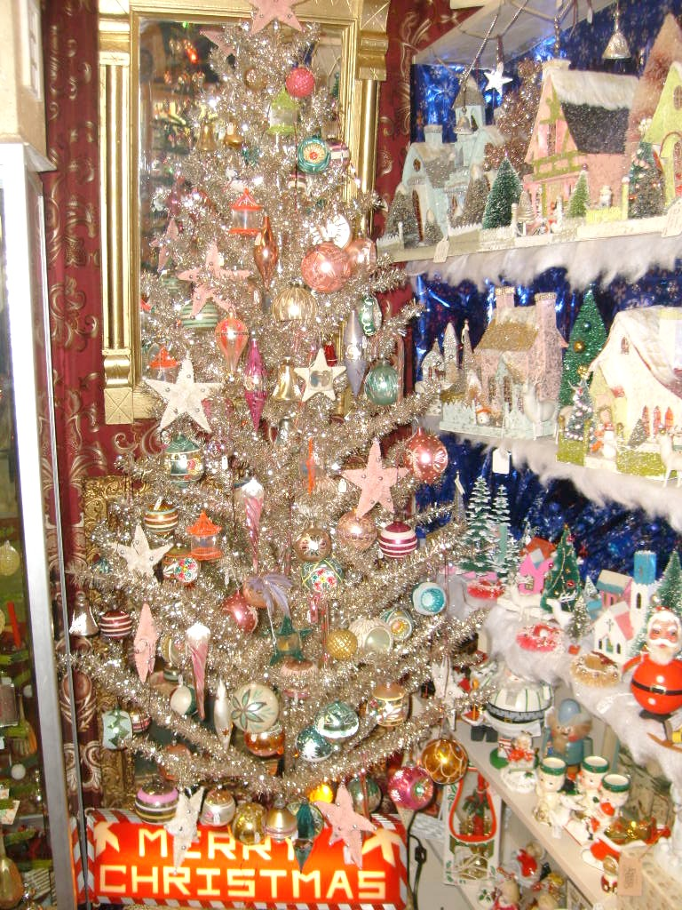 Lebanon tennessee antiques christmas for Vintage christmas craft supplies